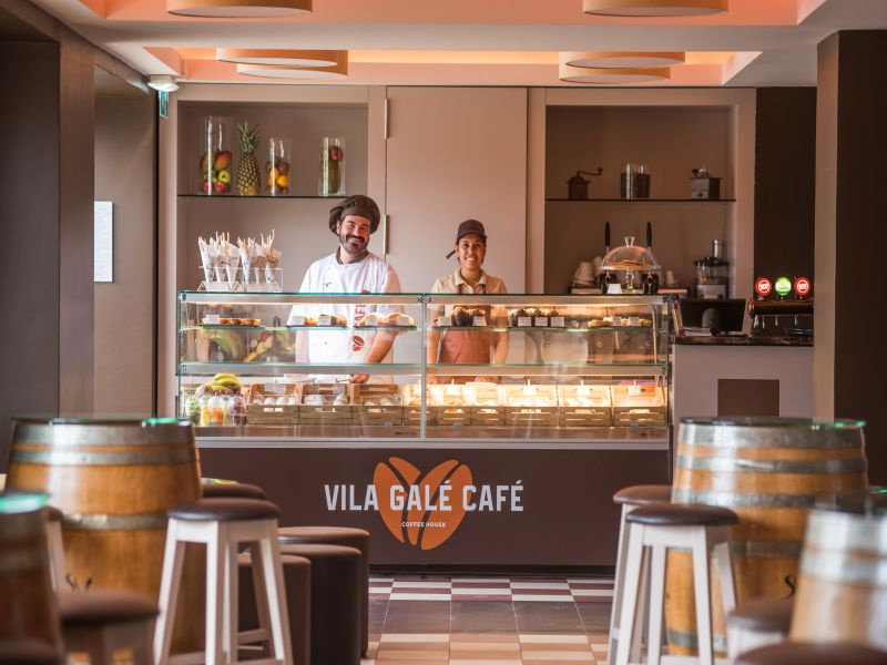 Vila_Gale_Ampalius_Cafe_1